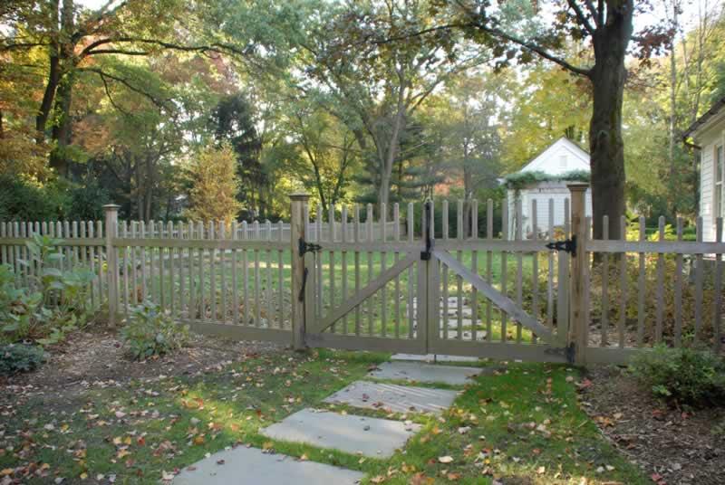 Gates Yaboo Fence Company