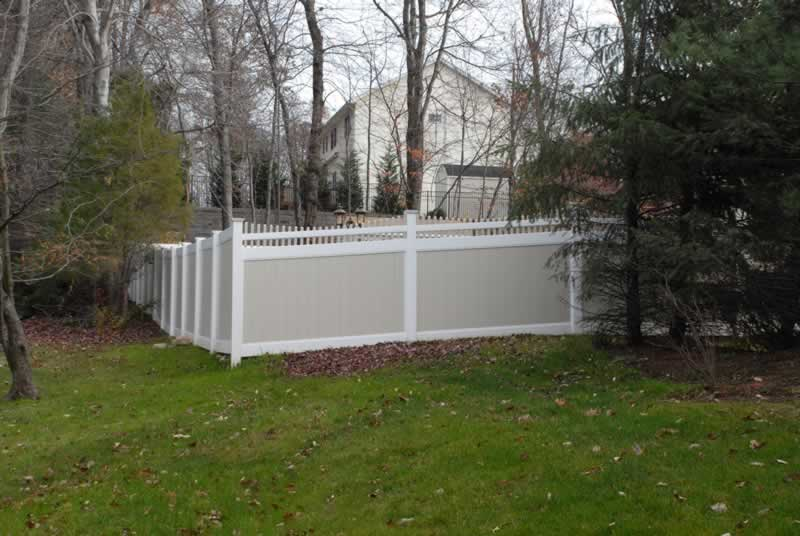 two tone vinyl privacy fence29 privacy